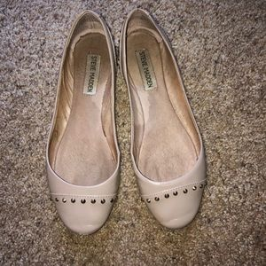 Steve Madden nude leather flats